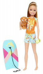 Mattel Barbie Stacie z deską do bodyboardingu -